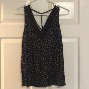 Maurice's Black and Red Floral Tank Size M